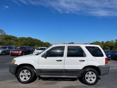 2005 Ford Escape for sale at CARS PLUS CREDIT in Independence MO