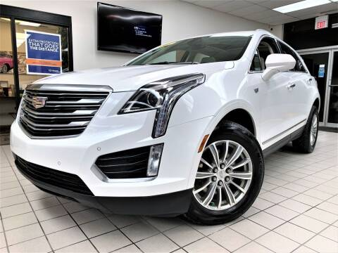 2018 Cadillac XT5 for sale at SAINT CHARLES MOTORCARS in Saint Charles IL