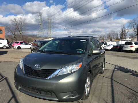 2013 Toyota Sienna for sale at Deals on Wheels in Nanuet NY