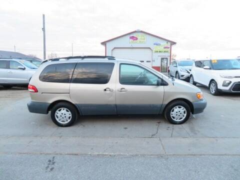 2001 Toyota Sienna for sale at Jefferson St Motors in Waterloo IA