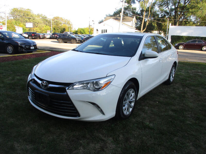 2016 Toyota Camry for sale at Triangle Auto Sales in Elgin IL