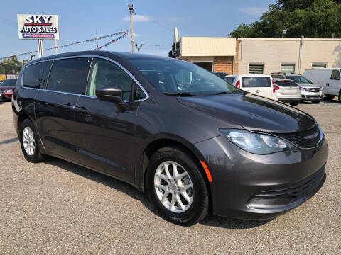 2019 Chrysler Pacifica for sale at SKY AUTO SALES in Detroit MI