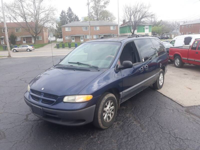 2000 Dodge Grand Caravan for sale at Flag Motors in Columbus OH