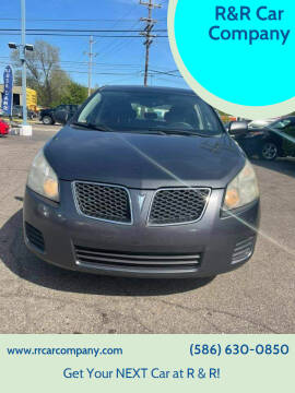 2009 Pontiac Vibe for sale at R&R Car Company in Mount Clemens MI