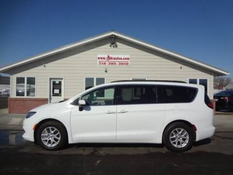 2020 Chrysler Voyager for sale at GIBB'S 10 SALES LLC in New York Mills MN