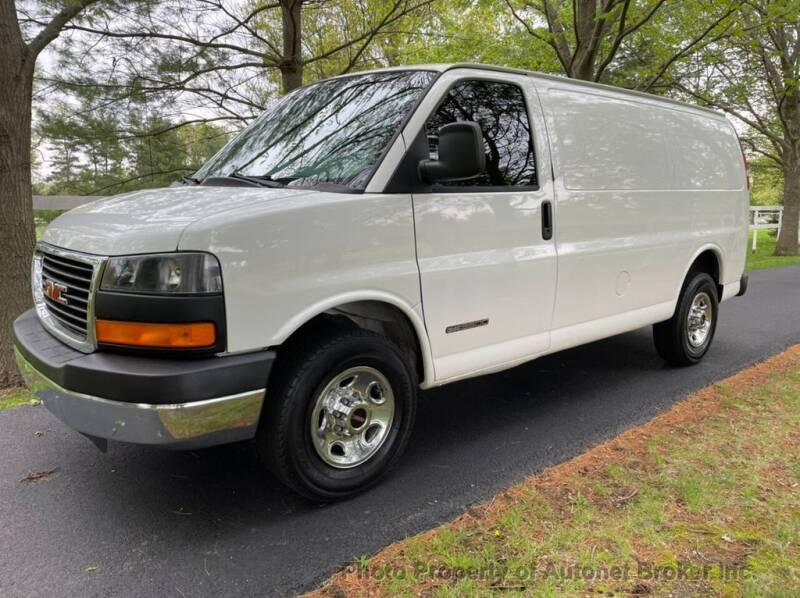 2003 GMC Savana Cargo for sale in Bloomington, IL