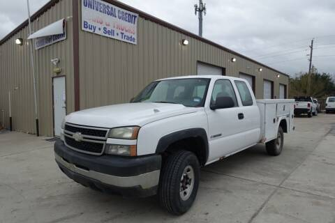 2007 Chevrolet Silverado 2500HD Classic for sale at Universal Credit in Houston TX