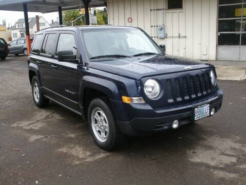 2012 Jeep Patriot for sale at D & M Auto Sales in Corvallis OR