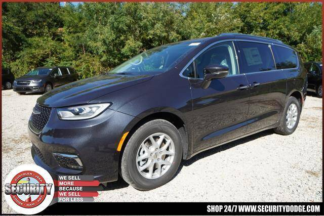 2021 Chrysler Pacifica for sale in Amityville, NY