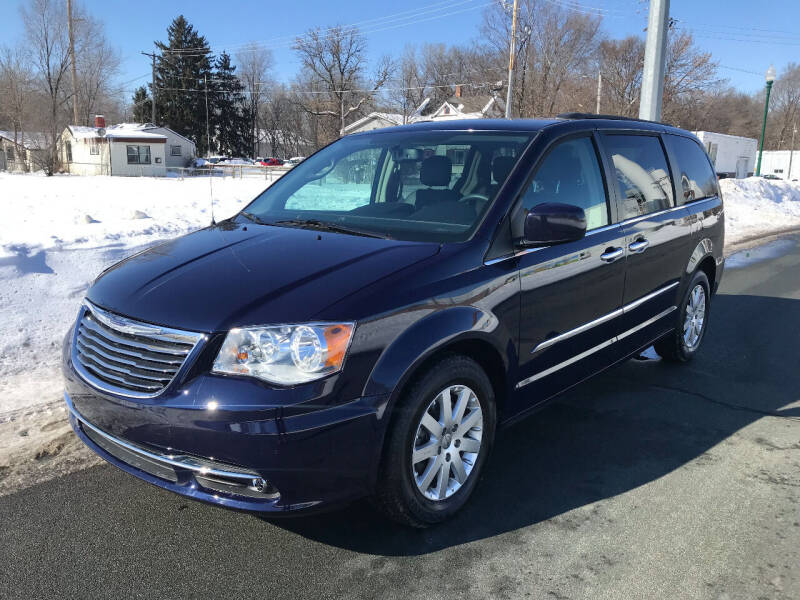 2016 Chrysler Town and Country for sale at ONG Auto in Farmington MN