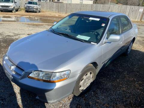 2000 Honda Accord for sale at Sartins Auto Sales in Dyersburg TN