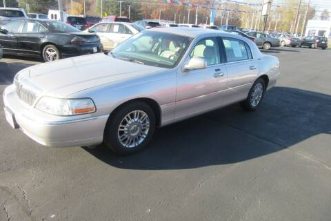 2006 Lincoln Town Car for sale at Burgess Motors Inc in Michigan City IN