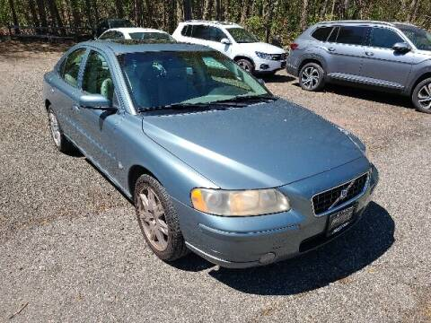 2005 Volvo S60 for sale at BETTER BUYS AUTO INC in East Windsor CT