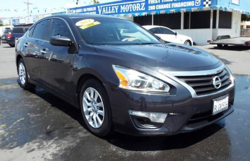 2014 Nissan Altima for sale at 559 Motors in Fresno CA