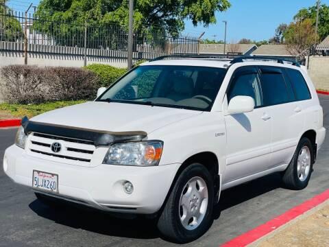 2005 Toyota Highlander for sale at United Star Motors in Sacramento CA