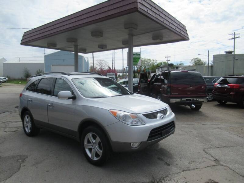 2008 Hyundai Veracruz for sale at Perfection Auto Detailing & Wheels in Bloomington IL