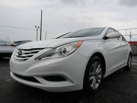 2013 Hyundai Sonata for sale at AJA AUTO SALES INC in South Houston TX