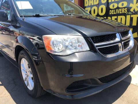 2014 Dodge Grand Caravan for sale at Sunday Car Company LLC in Phoenix AZ