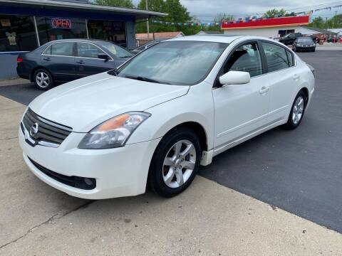2007 Nissan Altima for sale at Wise Investments Auto Sales in Sellersburg IN