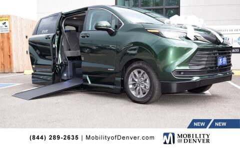 2021 Toyota Sienna for sale at CO Fleet & Mobility in Denver CO