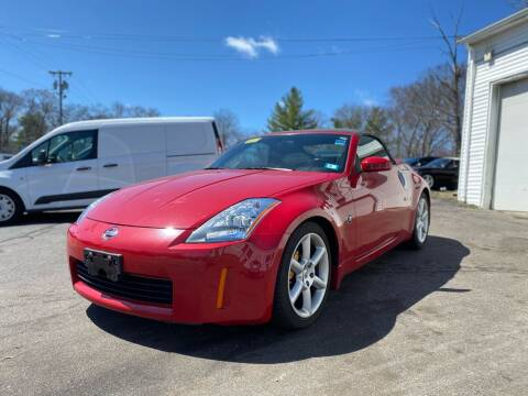 2005 Nissan 350Z for sale at SOUTH SHORE AUTO GALLERY, INC. in Abington MA