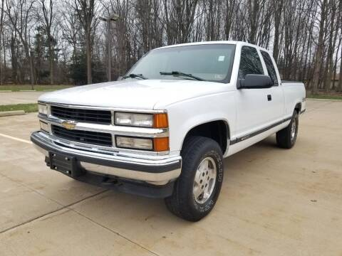 1995 Chevrolet C/K 1500 Series for sale at Lease Car Sales 3 in Warrensville Heights OH