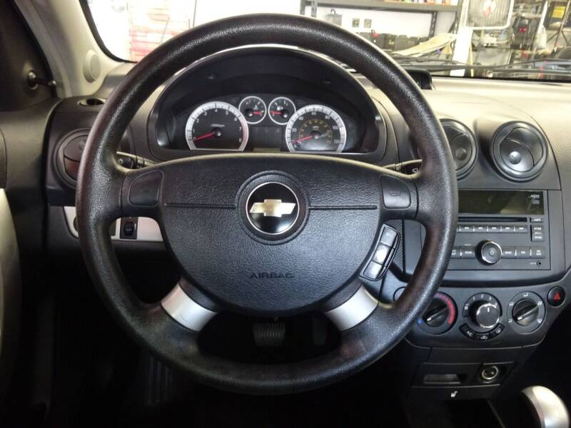2009 Chevrolet Aveo Aveo5 LT 4dr Hatchback - West Allis WI