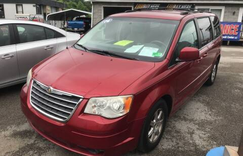 2008 Chrysler Town and Country for sale at RACEN AUTO SALES LLC in Buckhannon WV