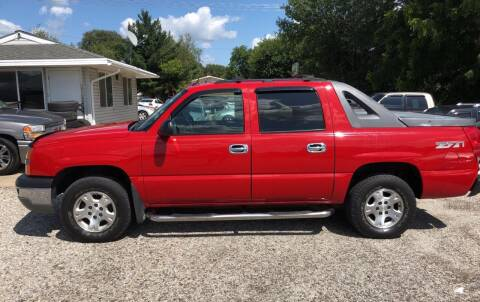 2004 Chevrolet Avalanche for sale at 6th Street Auto Sales in Marshalltown IA