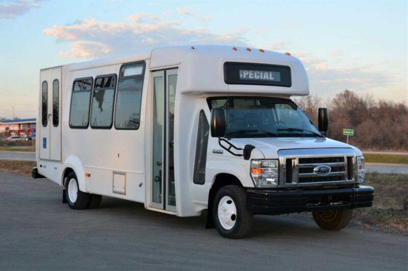 2016 Ford E-450 for sale at Signature Truck Center in Lake Village IN