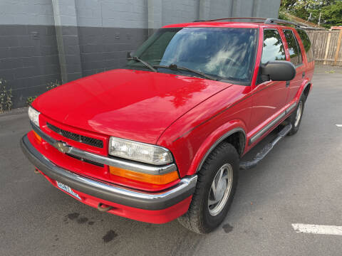 2001 Chevrolet Blazer for sale at APX Auto Brokers in Lynnwood WA