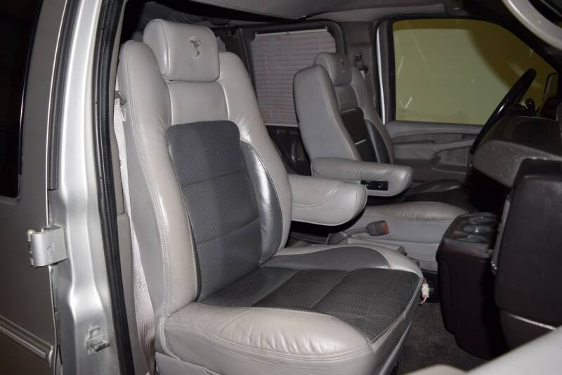 2011 Chevrolet Express Cargo 1500 3dr Cargo Van w/ YF7 Upfitter - Houston TX