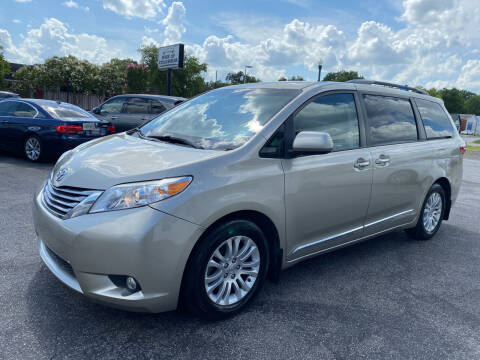 2017 Toyota Sienna for sale at BWK of Columbia in Columbia SC