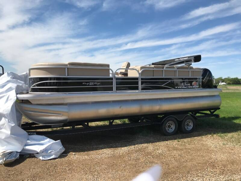 2019 SUNTRACKER PARTY BARGE