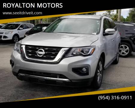 2019 Nissan Pathfinder for sale at ROYALTON MOTORS in Plantation FL