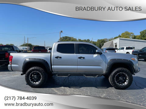 2017 Toyota Tacoma for sale at BRADBURY AUTO SALES in Gibson City IL