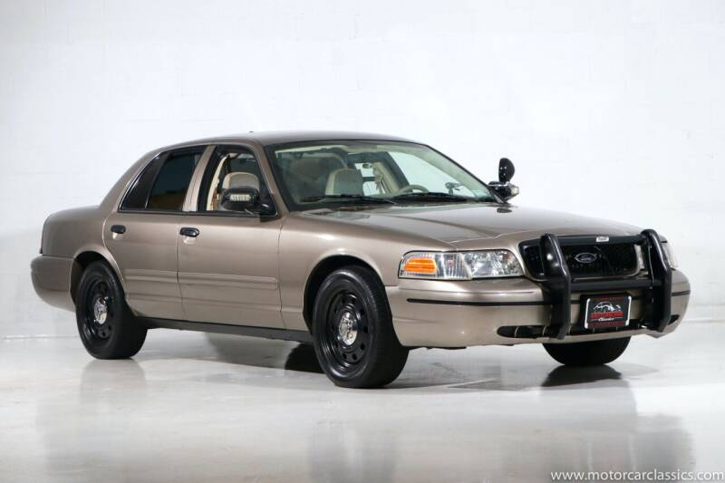 2007 Ford Crown Victoria for sale at Motorcar Classics in Farmingdale NY