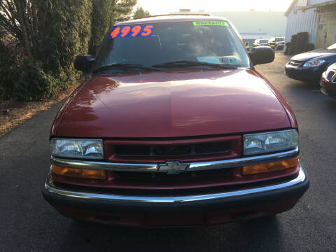 2000 Chevrolet Blazer for sale at BIRD'S AUTOMOTIVE & CUSTOMS in Ephrata PA