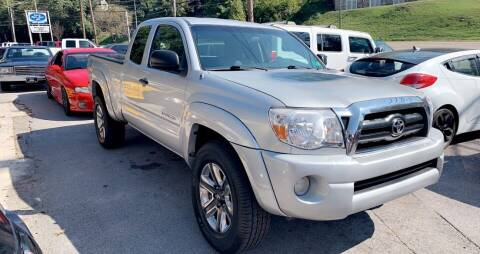 2008 Toyota Tacoma for sale at North Knox Auto LLC in Knoxville TN