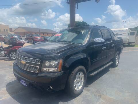 2011 Chevrolet Avalanche for sale at EAGLE AUTO SALES in Lindale TX