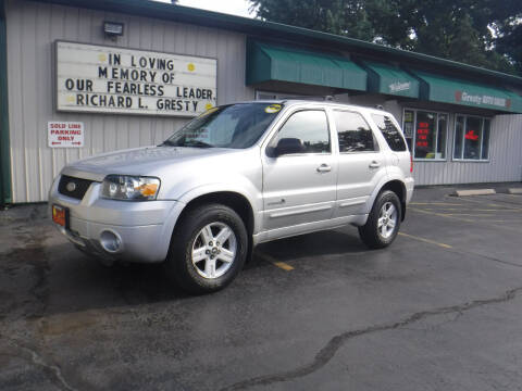 2005 Ford Escape for sale at GRESTY AUTO SALES in Loves Park IL
