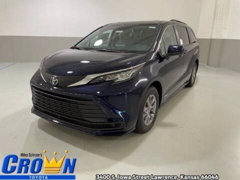 2021 Toyota Sienna for sale at Crown Automotive of Lawrence Kansas in Lawrence KS