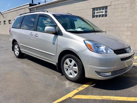 2005 Toyota Sienna for sale at Richardson Sales & Service in Highland IN