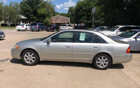 2000 Toyota Avalon for sale at 6th Street Auto Sales in Marshalltown IA