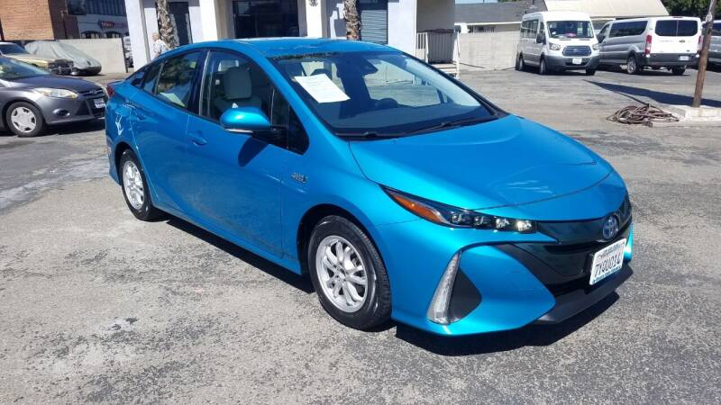 2017 Toyota Prius Prime for sale at In-House Auto Finance in Hawthorne CA