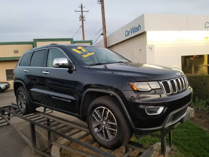 2017 Jeep Grand Cherokee for sale at Showcase Luxury Cars II in Pinedale CA