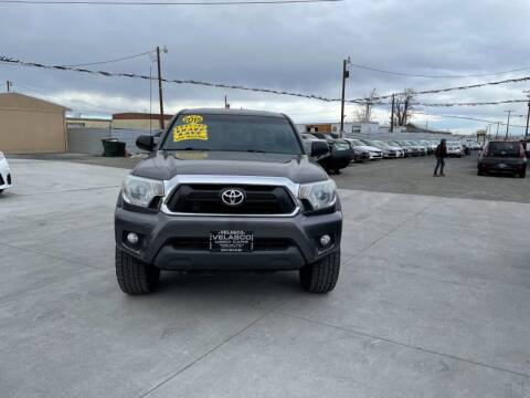 2015 Toyota Tacoma for sale at Velascos Used Car Sales in Hermiston OR
