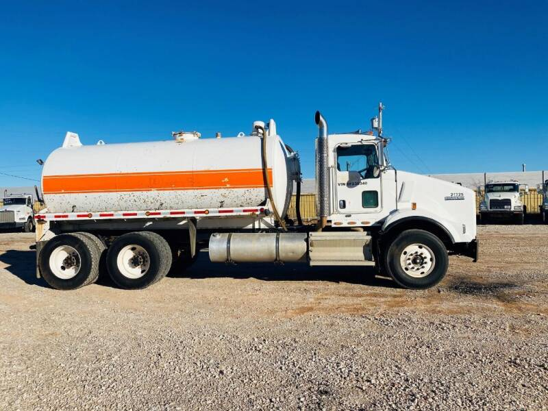 2008 Kenworth T800 for sale at Edge Motor & Equipment Sales in Woodward OK