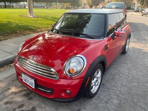 2013 MINI Hardtop for sale at Fiesta Motors in Winnetka CA