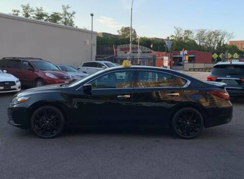 2018 Nissan Altima for sale at Caulfields Family Auto Sales in Bath PA